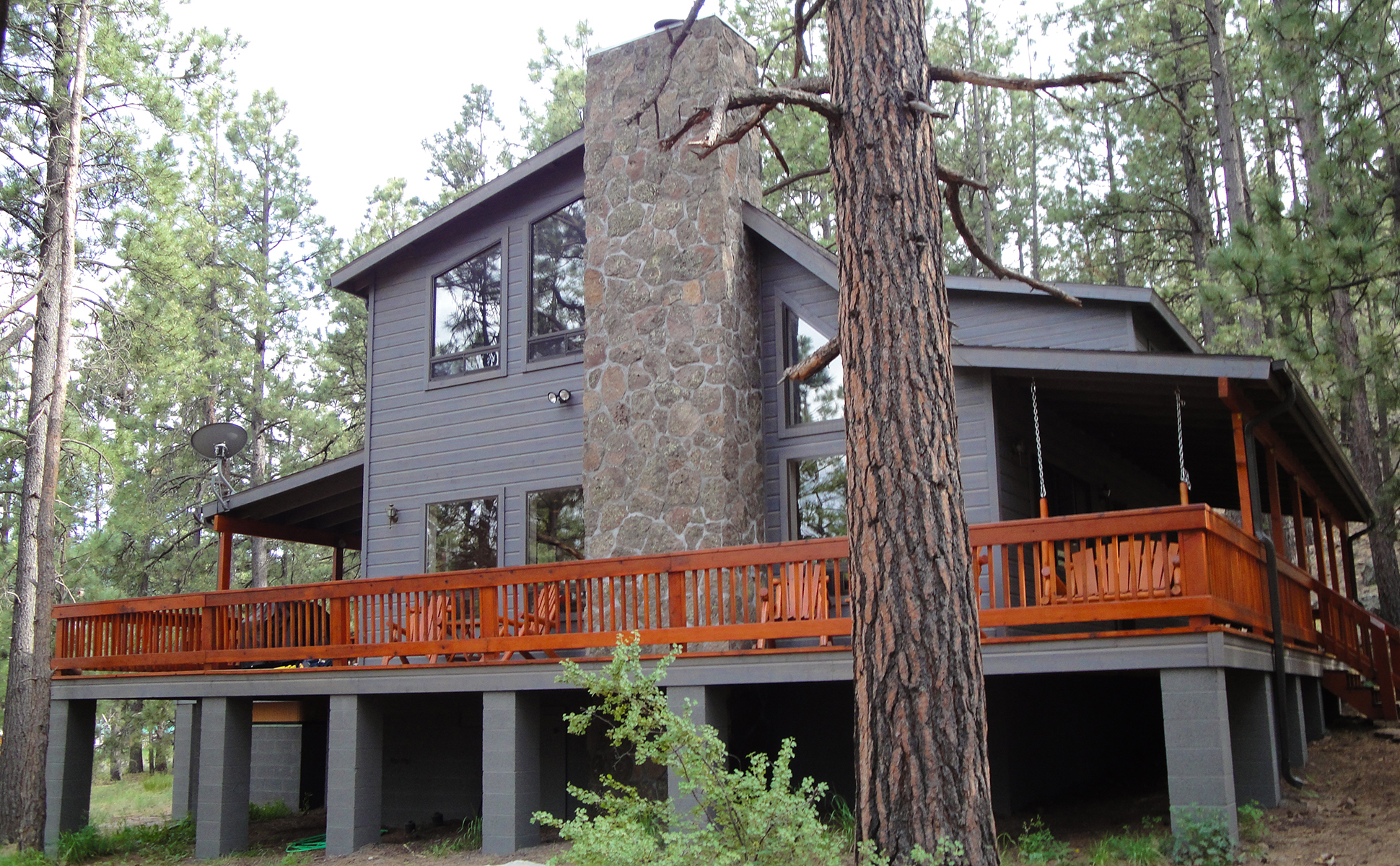 Acorn Lodge, Greer, AZ, side view slider